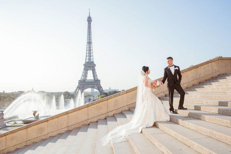 Eiffel Tower elopement photographer Trocadero stairs