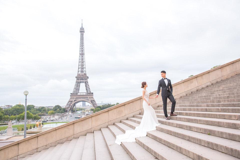 elopement photographer eiffel tower