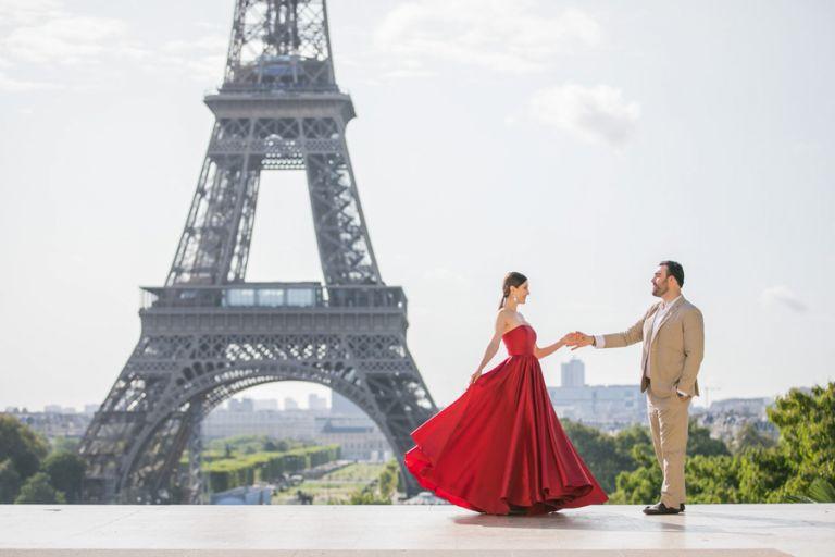 Paris red dress photoshoot eiffel tower trocadero